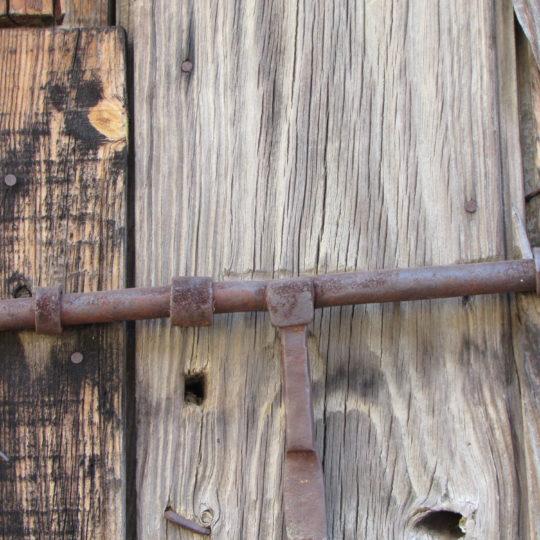 Puerta de corral Gargantilla con cerrojo